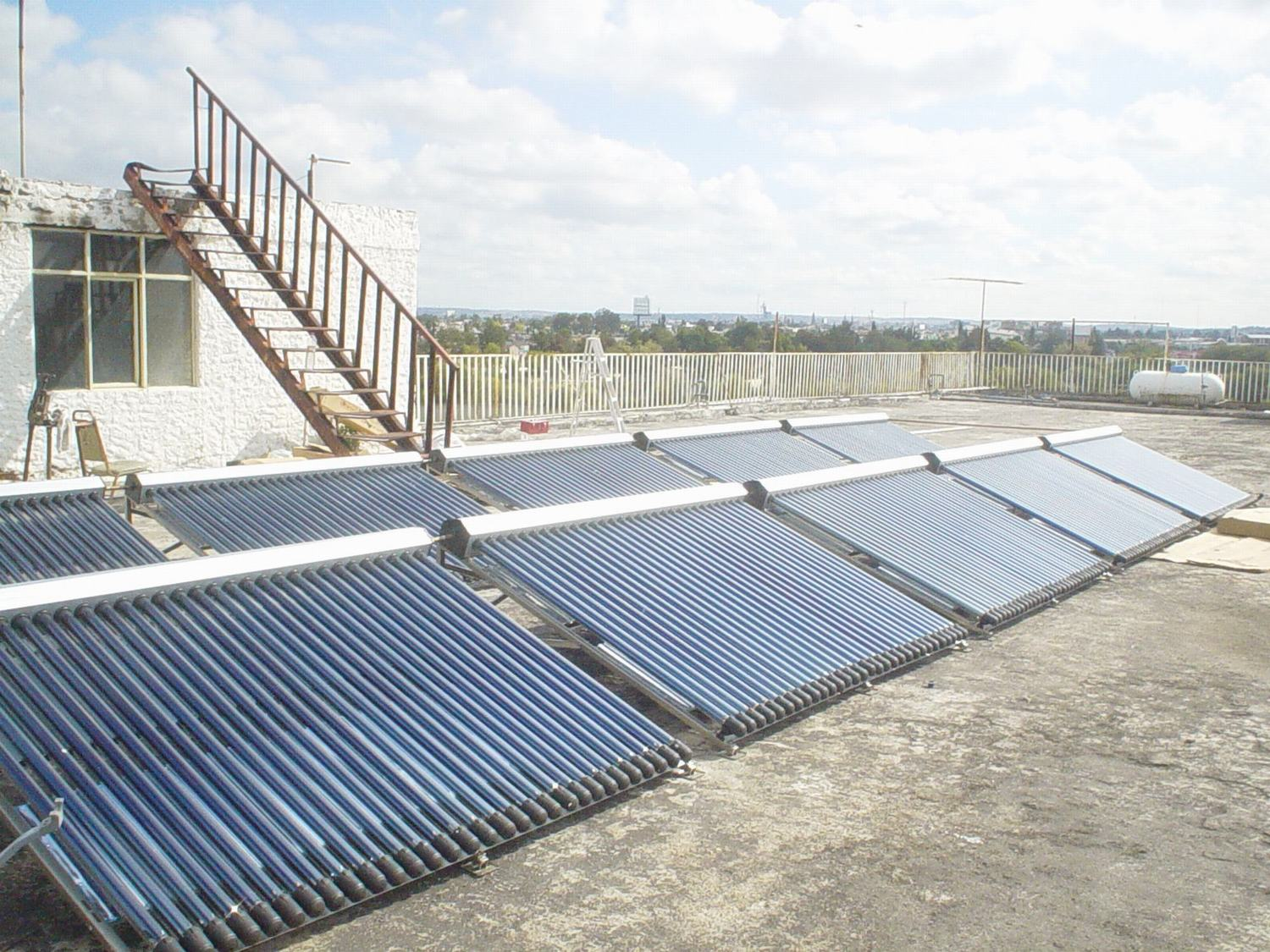 Hot Water Heat Pipe Pressurized Solar Water Heater